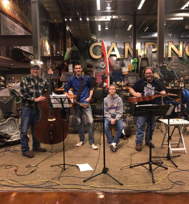 """Rusty Toolbox"" performs at Bass Pro Shop employee appreciation event 11 Nov 2018"